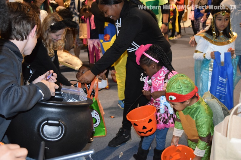 2017-10-31-WHUMC-Trunk-Or-Treat_0072-1